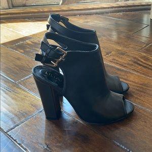 Black peep toe chunky heels